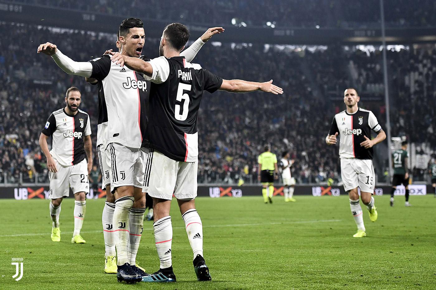 La Juve si allena, un rientro diventato virale dopo il Milan